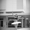 dance_bw040