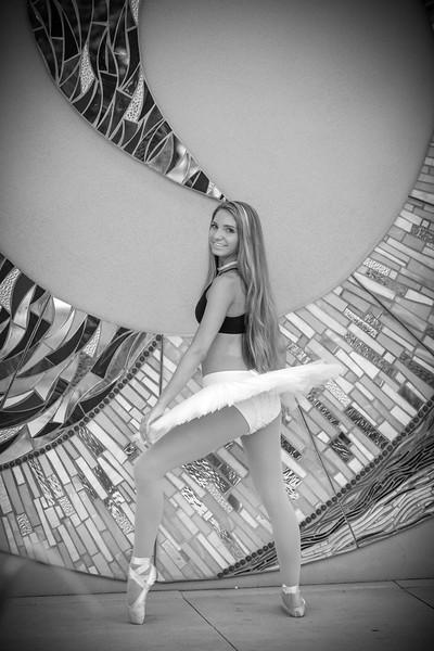 dance_bw048