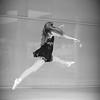 dance_bw025