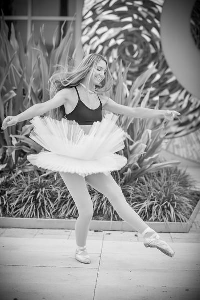 dance_bw066