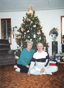 Lois and Dale Meredith at Christmas 1989. (Photo courtesy of the family.)