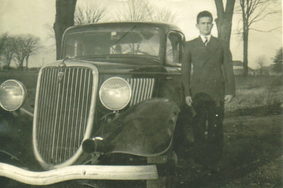 Damon Hill, pictured before he joined the Army in 1946.(Photo courtesy of the family.)