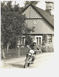 Dane Leimbach raced 100cc dirt bikes in International Six Days Trials (ISDT) in Europe, often referred to as the Olympics of motorcycles. (Photo courtesy of the family.)