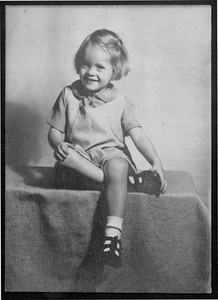 Dixie Cole, around age 4, shortly before exhibiting polio-like symptoms.