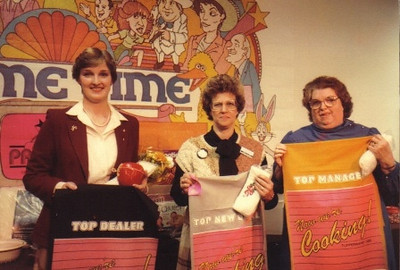 """Eva Mae Pugh, right, was named """"Top Manager"""" at a national Tupperware meeting in Orlando, Fla."""