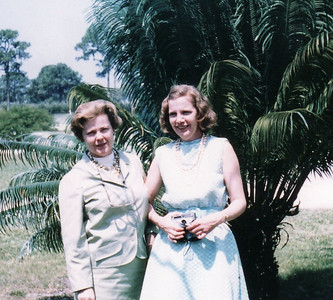 Lenore Eastin, left, and her sister, Dorothy Bodzash, visited their father (not pictured) in Bradenton, Fla., in the 1970s.