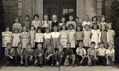 Pat Mason, back row, far left, attended Allen School on Abbe Road at Poplar Street, Elyria, in the 1940s.