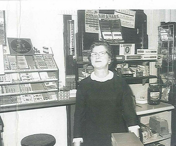 Sue Kerchmar tended bar, served food and started the fish fries at the family-owned Kerchmar's West Side Café in Elyria.