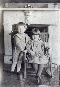 Virginia Bilskey, seated, and her brother, Bob, in the 1920s.