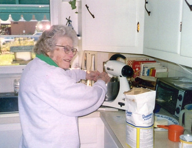 Virginia Schlather was known for her homemade apple pies.