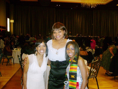 Jane Beard, center, flanked by Tippie and Tamira Moon.