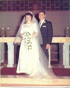 Peggy Collins married Tom Kuns on Aug. 21, 1965, at Immaculate Conception Church in Bellevue, Ohio.