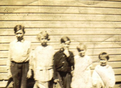 Warren Powelson, left, and his siblings in the 1920s.