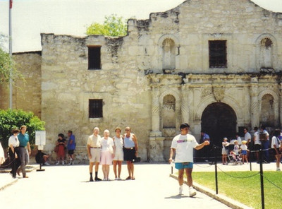 The Powelsons visit the Alamo.