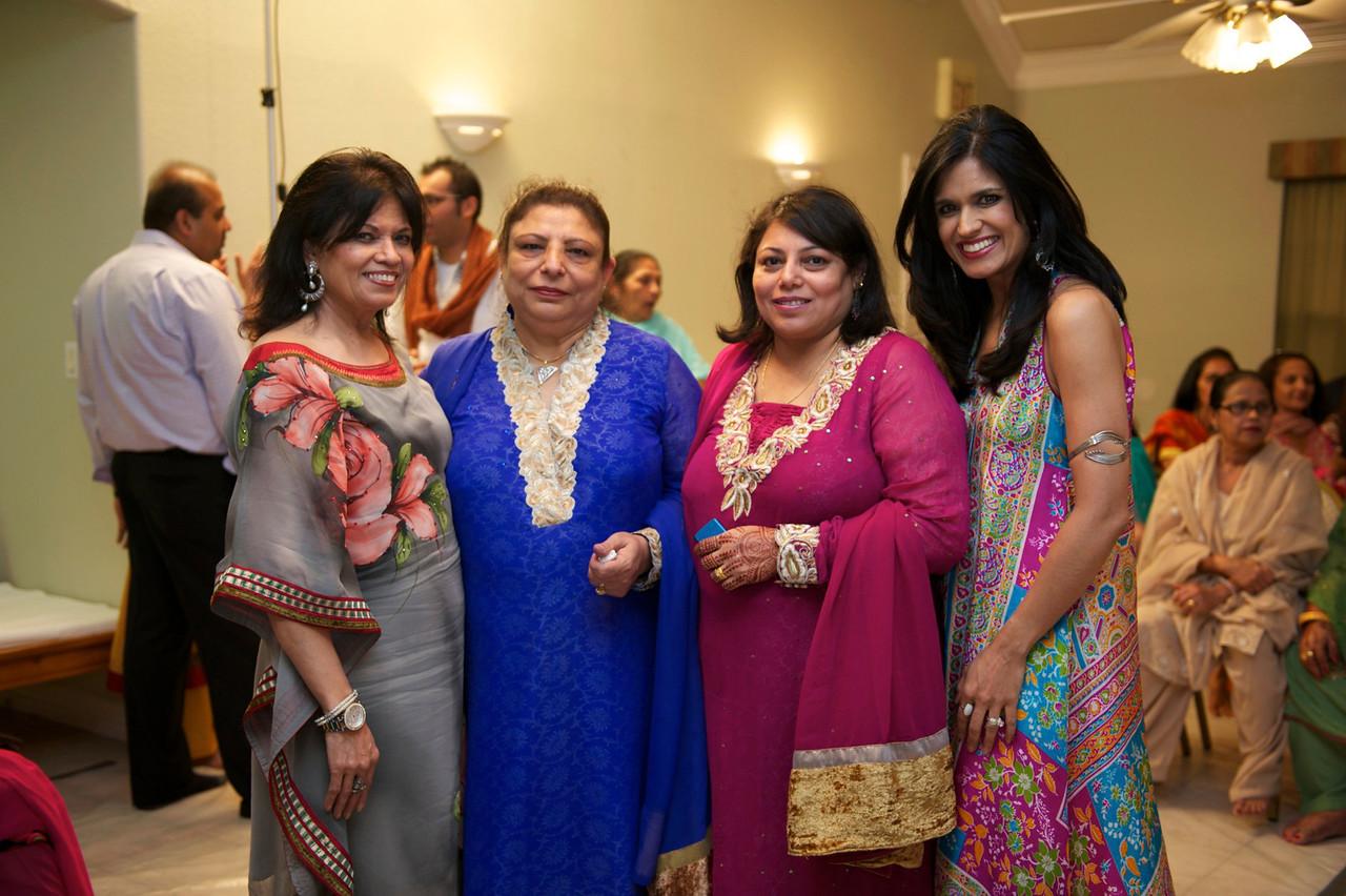 Rahim-Mehndi-2012-06-00365
