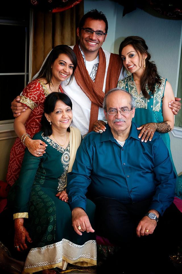 Rahim-Mehndi-2012-06-00351