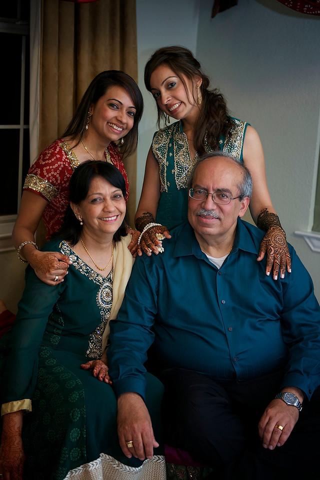 Rahim-Mehndi-2012-06-00350