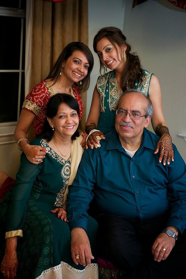 Rahim-Mehndi-2012-06-00349