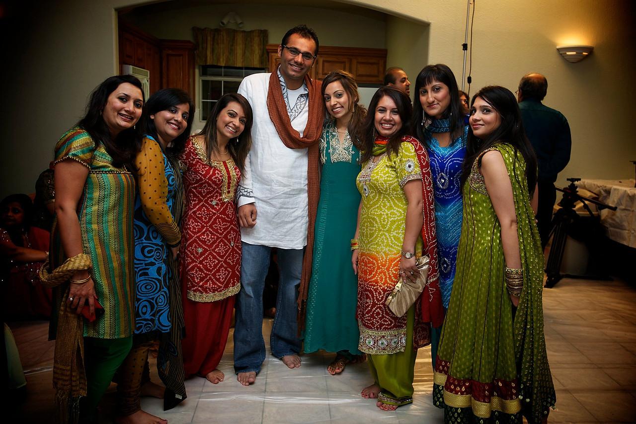 Rahim-Mehndi-2012-06-00345