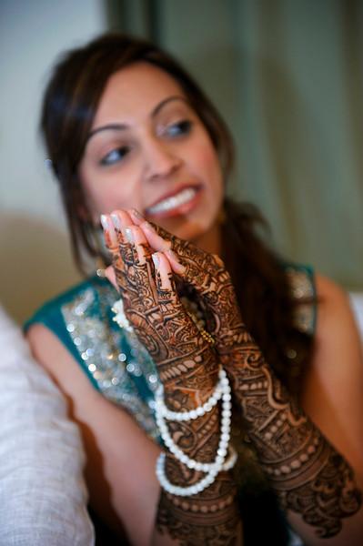 Rahim-Mehndi-2012-06-00354