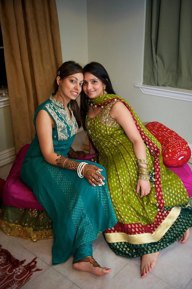 Rahim-Mehndi-2012-06-00371