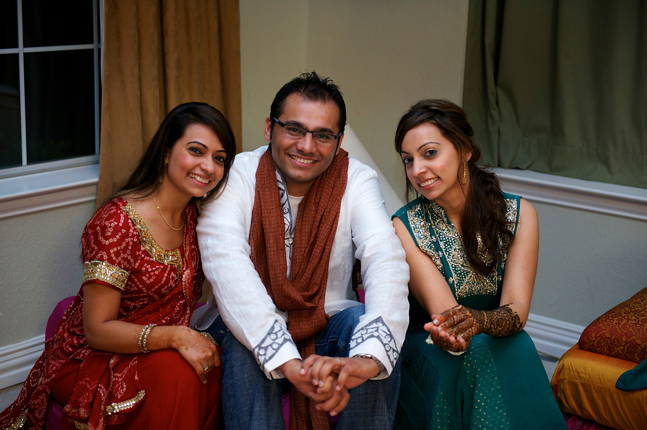 Rahim-Mehndi-2012-06-00355