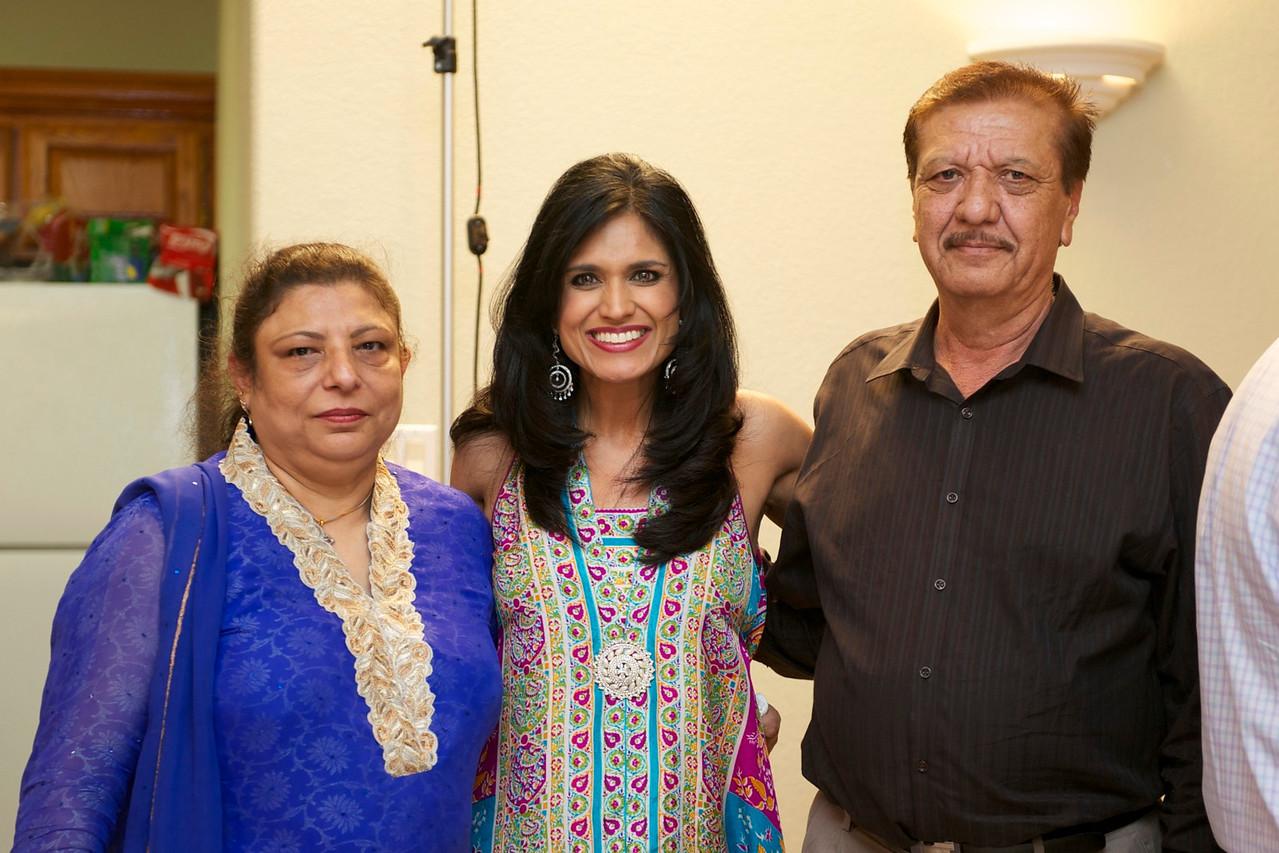 Rahim-Mehndi-2012-06-00382