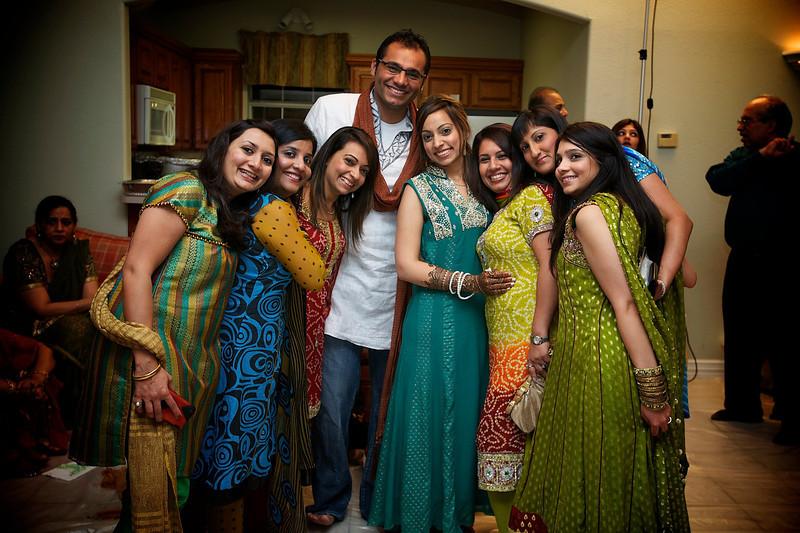 Rahim-Mehndi-2012-06-00346