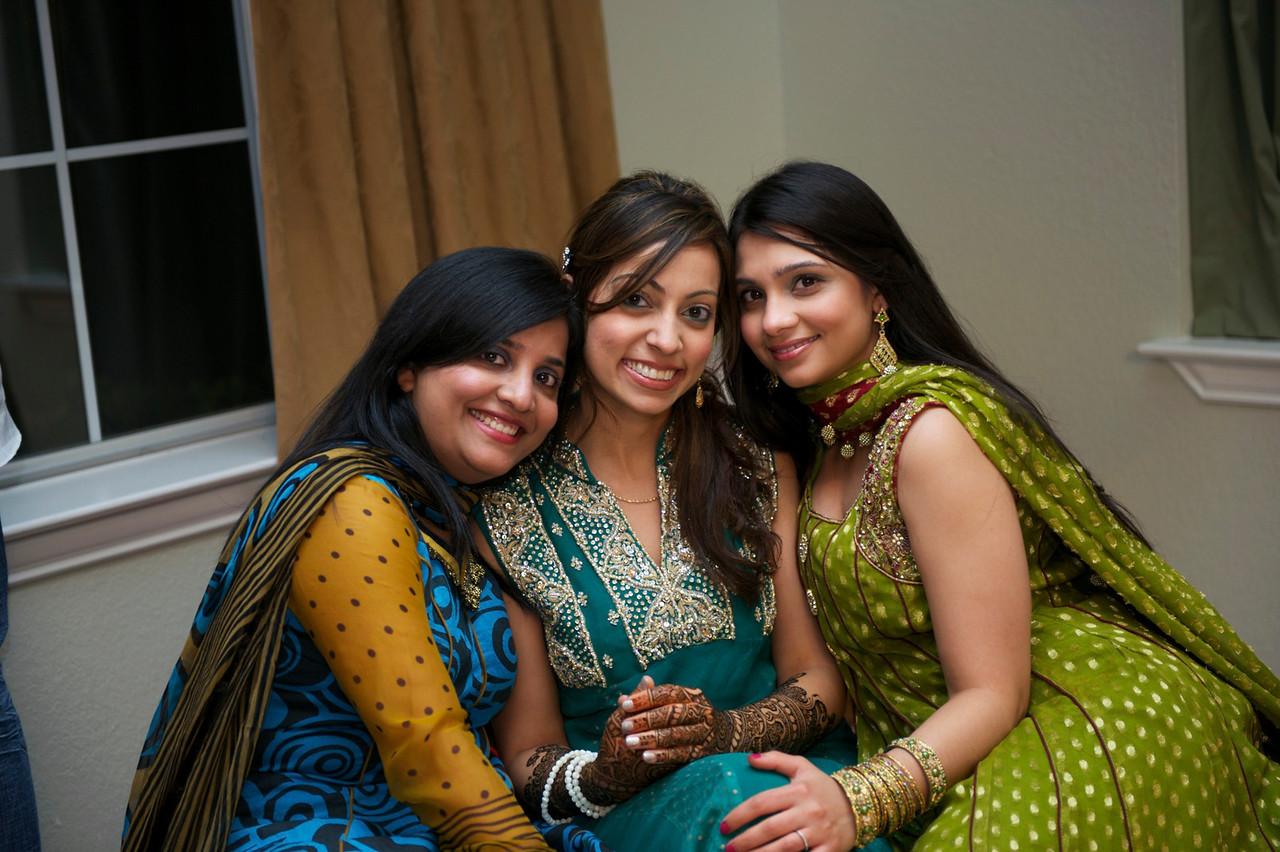 Rahim-Mehndi-2012-06-00362