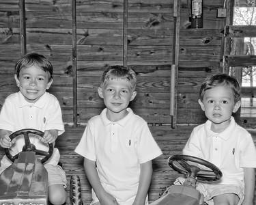 017 Doan Family At Purina Farms 6-11 - Jaden Dakota Nicholas (10x8) b&w
