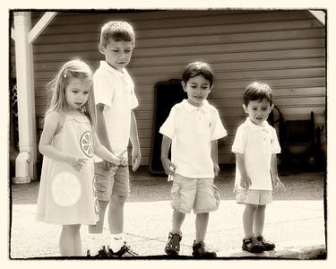 009 Doan Family At Purina Farms 6-11 - Alexa Dakota Jaden Nicholas (10x8) glow oldphoto