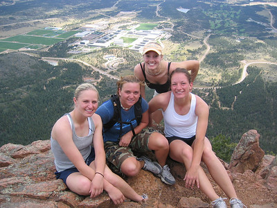 [Four happy cadets from Sept '04. ... Thanks, gals, for your service to our nation.]