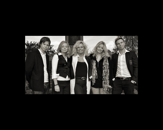 Elaine, Fredrik, Jennifer, Gabriella, Nicklas
