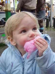Eating cotton candy for the first time; mmm jummy!