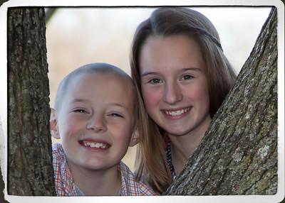 Estes kids at tree landscape