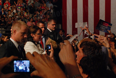 DSC_0341  Torrey Photographer   Sarah Palin signs autographs at the Pensacola Civic Center.  Pensacola Florida.