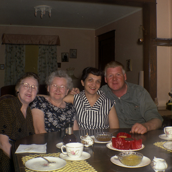 Laura Swann (Lyle's mother),?,Angeline & Lyle Solie