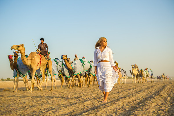 Lily Hayward in Dubai.  Desert photoshoot.<br /> <br /> Photo by: Stephen Hindley ©