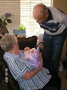 April 4_ 2007 Great grandparents and Auntie Linda visit Gracie 009.jpg