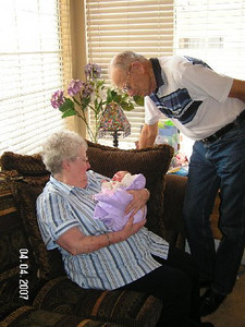April 4_ 2007 Great grandparents and Auntie Linda visit Gracie 006.jpg