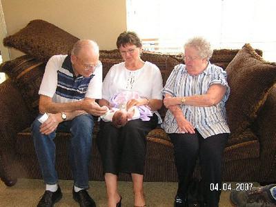 April 4_ 2007 Great grandparents and Auntie Linda visit Gracie 021.jpg