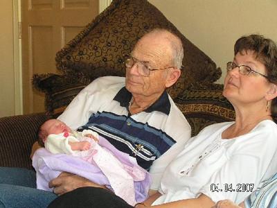 April 4_ 2007 Great grandparents and Auntie Linda visit Gracie 034.jpg