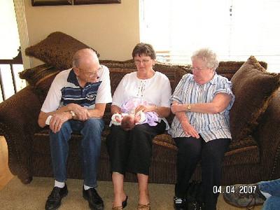 April 4_ 2007 Great grandparents and Auntie Linda visit Gracie 019.jpg