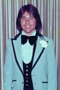 Phil 1976 Prom 800x600