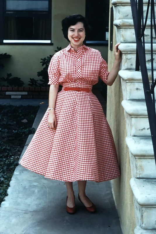 Mom Red Checks Late 1950s 534X800