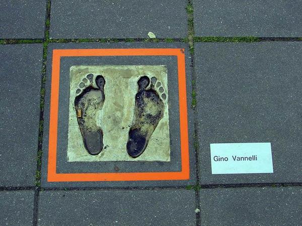 Gino Vannelli feet (Rotterdam, Netherlands)