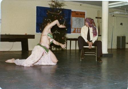 Belly Dancer (01001)