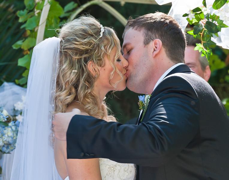 Wedding kiss, Jillian and Jeremy