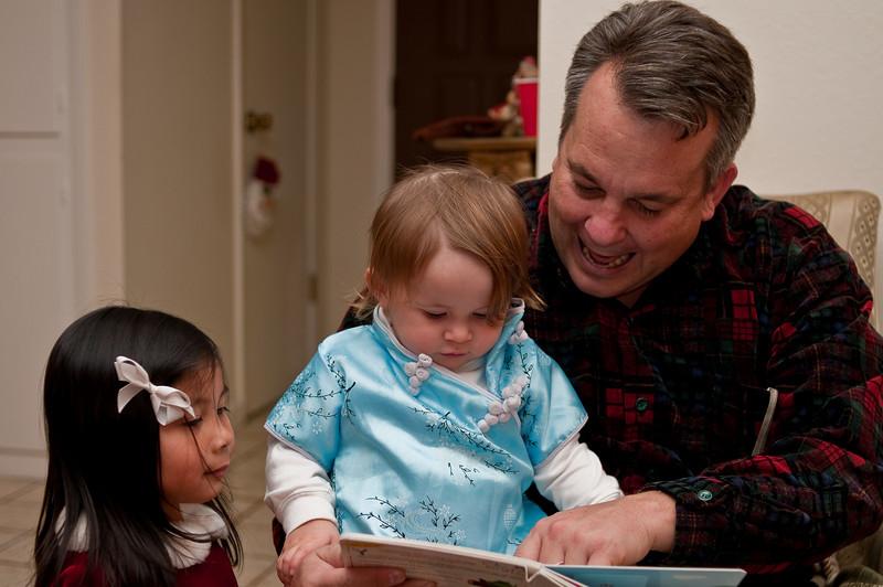 Kaitlin, Layse, and Mark Christmas Day 2008