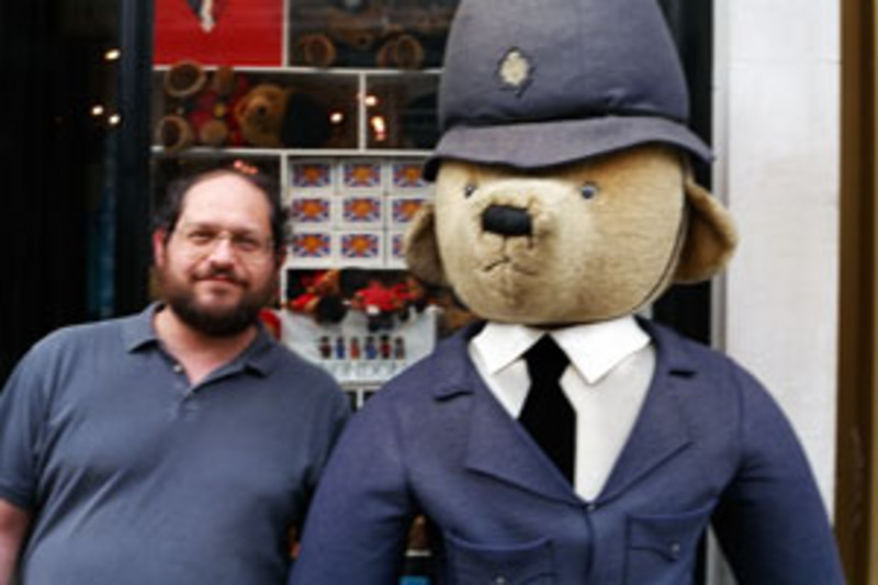 Rolling Stone's Steve Morgenstern & Friend in London. (photo: Joe Farace)